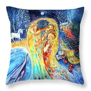 The Homecoming Kiss After Gustav Klimt Throw Pillow