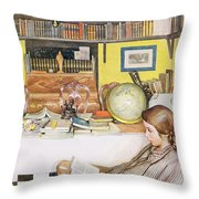 The Reading Room, Pub. In Lasst Licht Throw Pillow