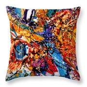 Trilul Pasarilor In Culori Throw Pillow