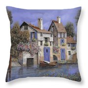 Un Borgo Tutto Blu Throw Pillow