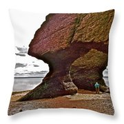 Under Fundy Feet In Big Cove At Hopewell Rocks-new Brunswick Throw Pillow