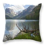 Upper Green River Lake Throw Pillow