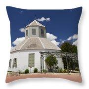 Vereins Kirche Throw Pillow