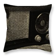 Vintage Ge Radio Throw Pillow