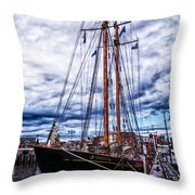 Virginia In New London Throw Pillow