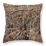 Wagon Wheel_7438 Throw Pillow