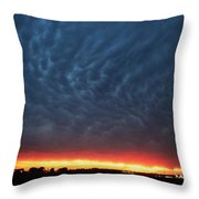 Weaking Cells Made For A Perfect Mammatus Sunset Throw Pillow