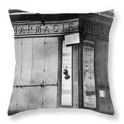 Wwi Paris, C1914 Throw Pillow