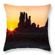 Yei-bi-chei Rays Throw Pillow