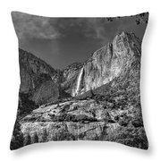 Yosemite Falls - Bw Throw Pillow