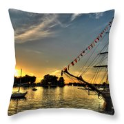 008 Uss Niagara 1813 Series Throw Pillow