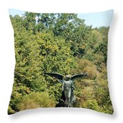 Birdbath Of Central Park Throw Pillow