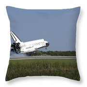 Space Shuttle Discovery Lands On Runway Throw Pillow