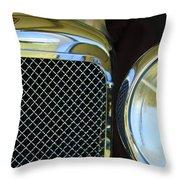 1932 Alvis-6 Speed 20 Sa Grille Emblem Throw Pillow