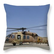 A Uh-60 Black Hawk Yanshuf Throw Pillow
