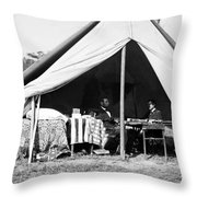 Abraham Lincoln Meeting With General Mcclellan - Antietam - October 3 1862 Throw Pillow