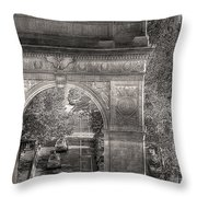 Arch Of Triumph Throw Pillow