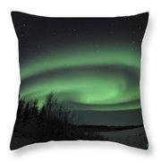 Aurora Borealis Over Vee Lake Throw Pillow