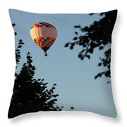 Balloon-7081 Throw Pillow