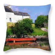 Ballycrovane, Beara Peninsula, Co Cork Throw Pillow
