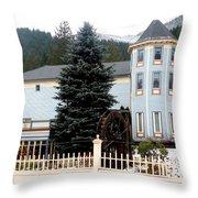 Beautiful Country Inn In Washington Throw Pillow