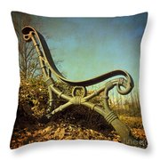 Bench. Vintage Look. Throw Pillow