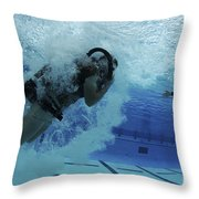 Buds Students Participate In Underwater Throw Pillow