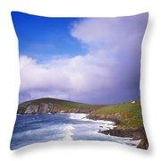 Co Kerry - Dingle Peninsula, Dunmore Throw Pillow