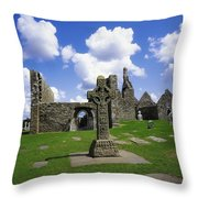 Co Offaly, Clonmacnoise Throw Pillow