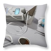 Dental Tollietres Throw Pillow