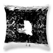 Egret In Flight V5 Throw Pillow