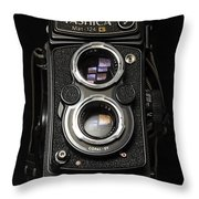 Eye See - I Saw Throw Pillow
