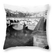 Florence Italy - Vecchio Bridge And River Arno Throw Pillow