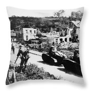 French Renault Wwi Tanks - France  Throw Pillow