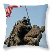 Iwo Jima Memoria 2 Throw Pillow