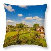 Landliches Dorf  Throw Pillow