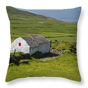 Lone Farmhouse On Mizen Head In West Throw Pillow