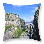 Mizen Head, Ivagha Peninsula, Co Cork Throw Pillow