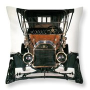 Model T Ford, 1910 Throw Pillow