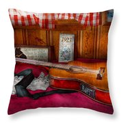 Music - Guitar - That Old Country Feel Throw Pillow