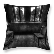 Old Black And White Tv Throw Pillow