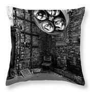 Operating Room - Eastern State Penitentiary - Black And White Throw Pillow