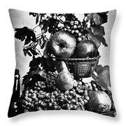 Oregon: Wine & Grapes Throw Pillow