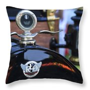 Reo The Fifth Throw Pillow