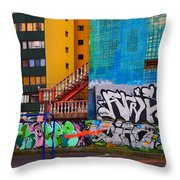 Revolucion De La Cuchara Throw Pillow