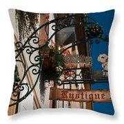 Rustique Flor II Throw Pillow