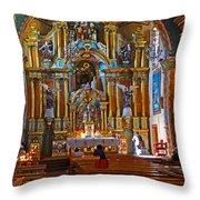 Santuario Mariano Interior Throw Pillow