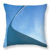 St. Louis: Gateway Arch Throw Pillow