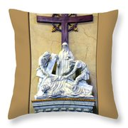 Station Of The Cross 09 Throw Pillow