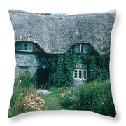 Thatched Roof, England Throw Pillow